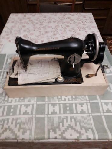 швейные цеха в Азербайджан: Продаются две швейные машинки настольные .Цена договорная