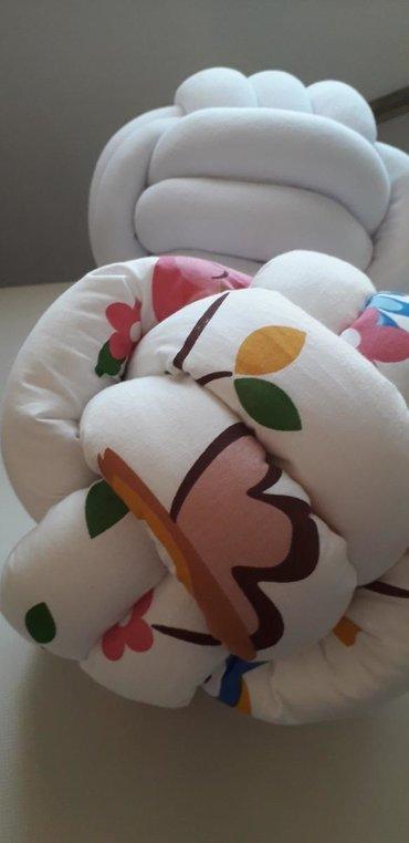 Jastuk klupko Jastuk neobicnog oblika i lepote, ukrasice svaki prostor