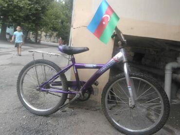 20 lik uşaq velosipedi. Səliqəli işlədilib. Heç bir problemi yoxdur. S