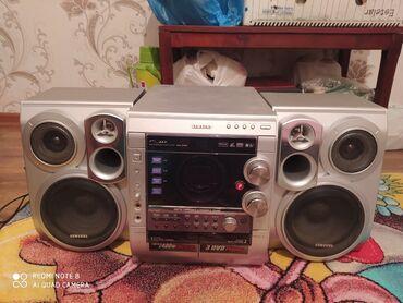 kaset - Azərbaycan: Maqnitafon 1 2defe iwlenib disk ve kohnenin balaca kaset yeri ve