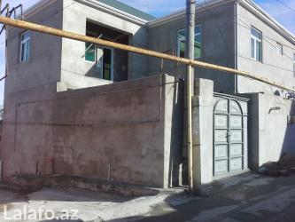 Sumqayıt şəhərində ~xirdalanda , 196 nomreli marsrutun dayanacaqinda ara metrebesi beton