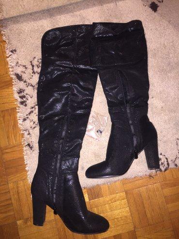 Crne cizme od mekane zmijske koze jako skupo placenje bez ostecenja - Crvenka