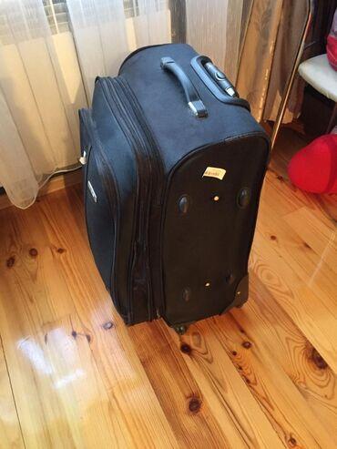Çantalar - Azərbaycan: Camadan satilir. 50azn. Unvan Yeni yasamal. Kod 103 (Esmer)