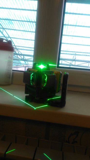 продаю лазерный нивелир деволть лж089 зеленый привезен со штатовсамый  в Бишкек
