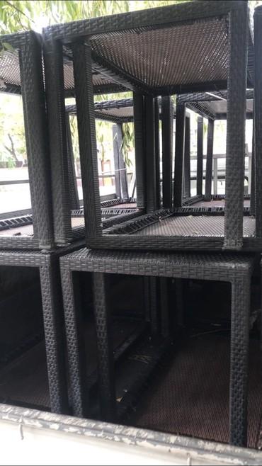 Столы плетенные из ротанга