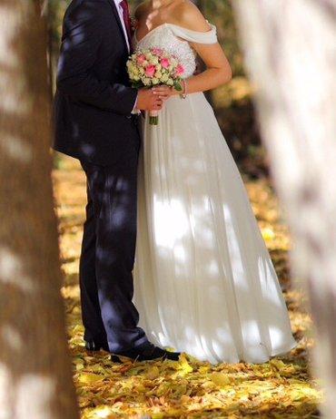 свадебное украшения в Кыргызстан: Свадебное платье, размер м. одевадось один раз. сделаю хорошую скидку