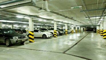 Гаражи - Кыргызстан: Продаю парковочное место в паркинге элитного дома по адресу