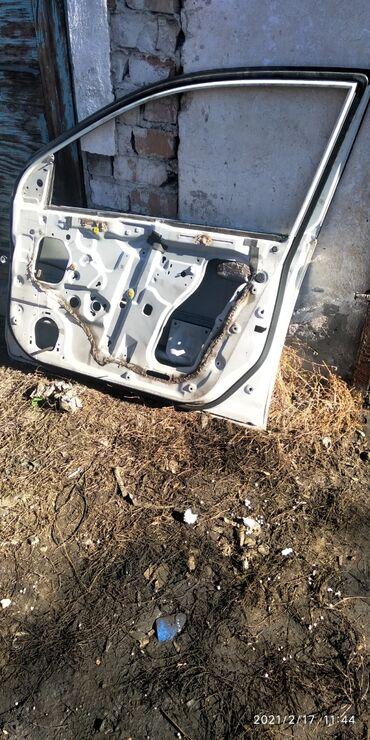 Дверь Хонда сивик цивик civic водительская сторона хетчбэк еу