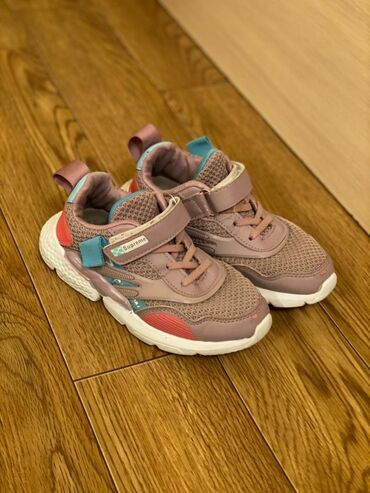 Кроссовки на девочку, 32 размер