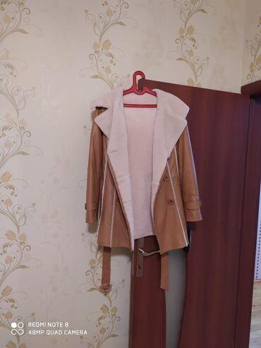 40 elan | PALTOLAR: Dəri palto satilir. 48 razmerdi. Keçən il alınıb. Heç geyilməyib. Etik