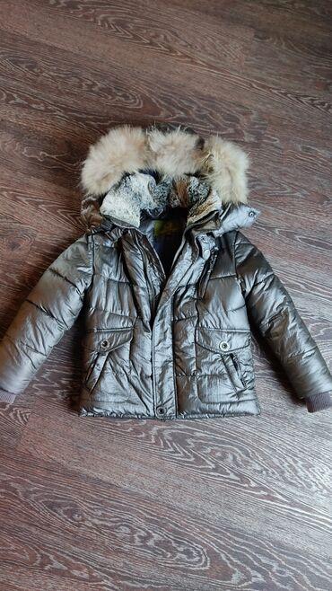Зимняя курточка для мальчика в хорошем состоянии интересного