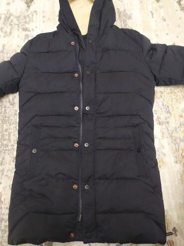 вечернее длинное платье черного цвета в Кыргызстан: Зимняя куртка Отличного качества и состояния . Наполнитель