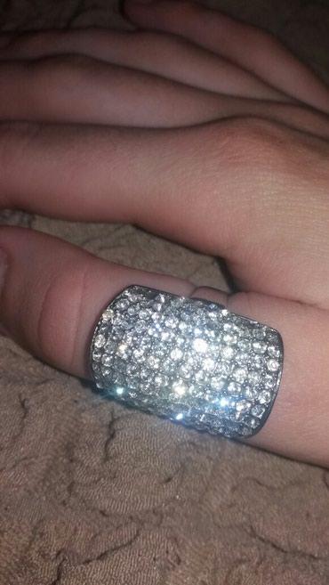 Prsten nije srebro. Veoma lep fali jedna ova sjajkica ali ne vidi se - Kraljevo