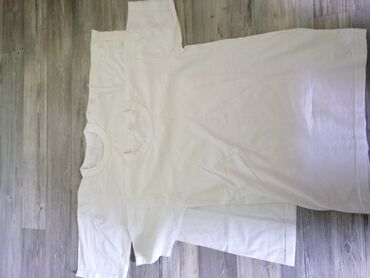 Pamucne majice - Srbija: Pamucne bele majice, 2 kom vel 10,cena za obe 200 din
