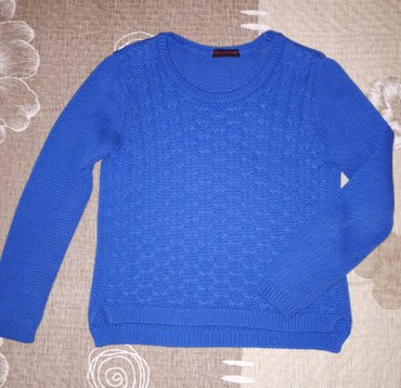 Укороченный свитер в отличном состоянии, размер м. в Бишкек