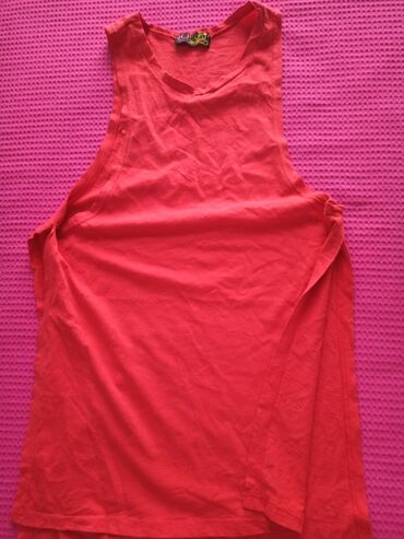 Αμανικη μπλουζα σε εντονο κοραλλοκοκκινο με μεγαλα ανοιγματα στο πλαι!