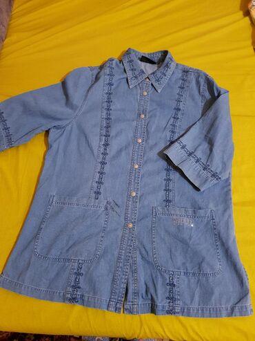 Размер 52-54, можно носить и как рубашку и как жакет, состояние нового