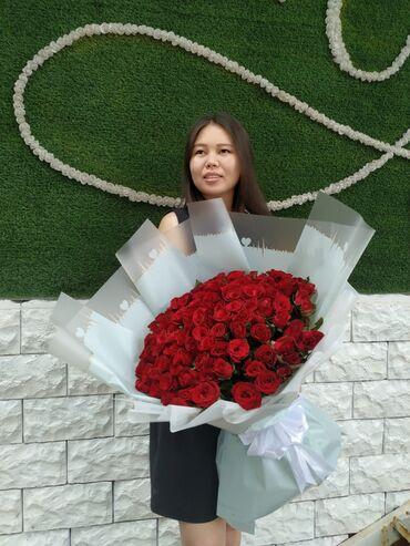 Букет из 101 розы с креативным оформлением (60 сантиметровые розы)