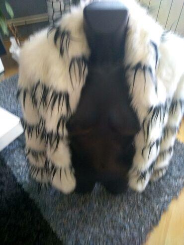 Krzneni kaputi - Sombor: Predivna topla bunda kao novo BUNDA PREDIVNA ZARINAKUPLJENA