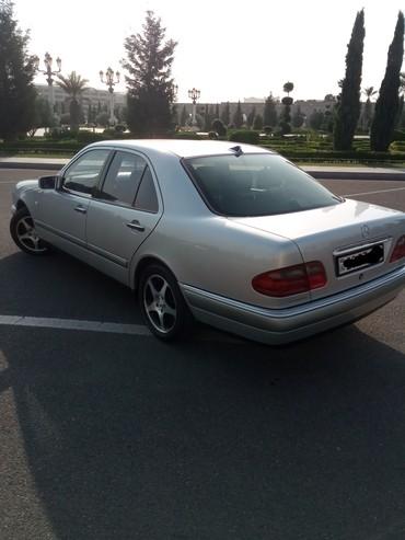 Gəncə şəhərində Mercedes-Benz