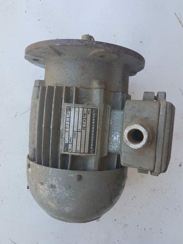 El.motor sa prirubnicom 380V 0,55kW 2780 o/min - Priboj