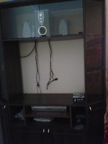 Xırdalan şəhərində Televizor alti.dolab yanlari wuweli polkalardi.ustude.awagisi wkafdi