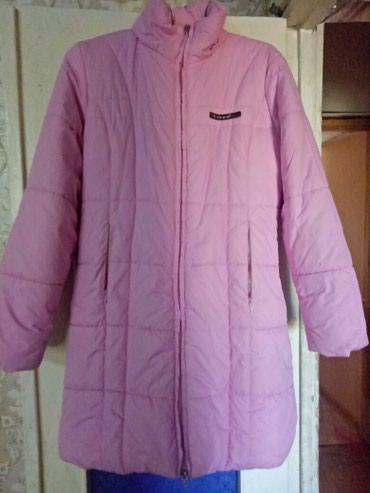 Пальто на девочку 11-15 лет. Очень теплое и удобное. Есть капюшон.  в Бишкек