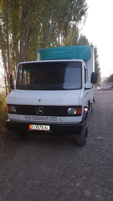 priglashaem v salon krasoty в Кыргызстан: Mercedes-Benz V-Class 1995