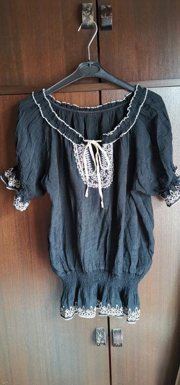 Velic da - Srbija: Prelepa, kao nova bluza. Velicina univerzalna. Robu saljem brzom
