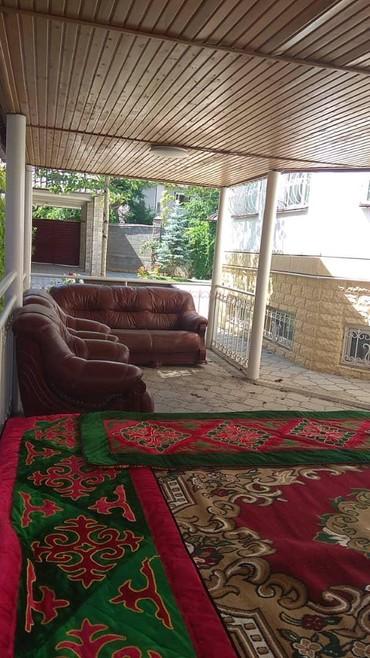 Шикарный особняк в центре города.Все вопросы по телефону или Вотсапу в Бишкек