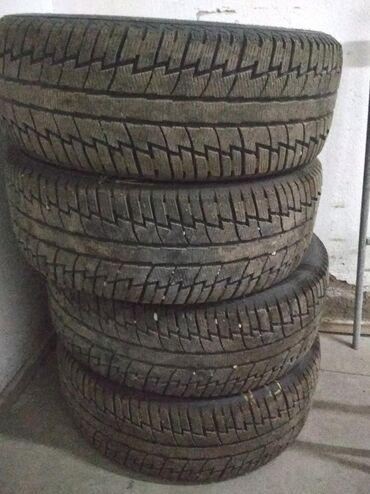 Зимние шины 235/55/18 в идеальном состоянии, практически новые