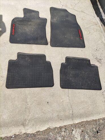 Резиновые коврики от Camry 70 в хорошем состоянии