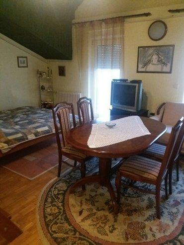 Kratkoročno izdajem, bez posrednika, odličan apartman od 40 m2. Ima - Novi Sad