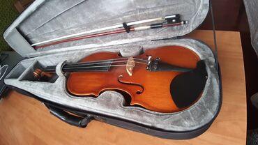 Спорт и хобби - Беш-Кюнгей: Продаётся скрипка 1/2 на 10-12лет.В наличии-смычок,чехол и