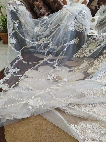 женское платье размер м в Кыргызстан: Очень красивый турецки тюль. Ширина 5 м. Высота 2.60 м. Со стразами