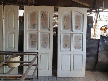 Двери деревянные, из дерева белые, отличное состояние. 5 шт