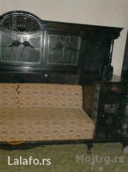 Stilska trpezarija u duborezu stara preko sto godina, sastoji se iz - Zrenjanin