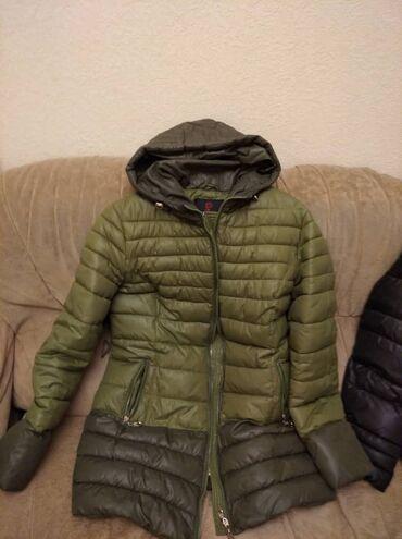 Продаю зимние куртки,синтепон. Каждая по 1000. В хорошем состоянии