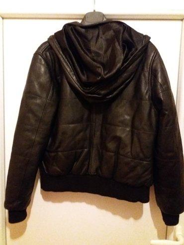 Kozna jakna,muska ili zenska svejedno. Odgovara velicini m,l. Punjena in Sokobanja