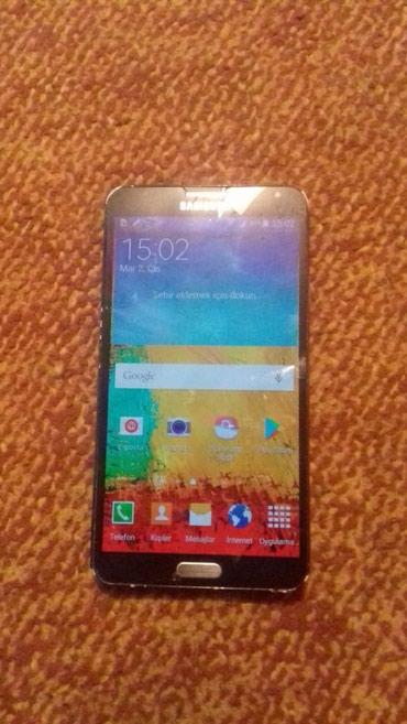 Bakı şəhərində Xiaomi ekranları