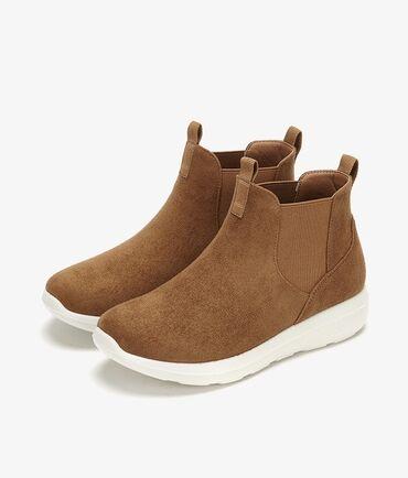 Спортивные ботинки челси Daphne. Высота подошвы: 3.7 смБрендовая