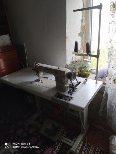 Продаю швейную машину состояние отличное, хорошо работает