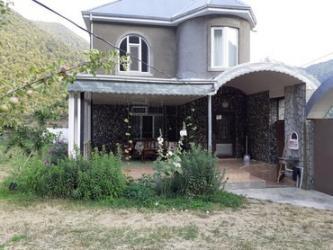 qaxda ev alqi satqisi - Azərbaycan: Qax rayonu ilisu kendinde 4 otaqli ev kiraye verilir