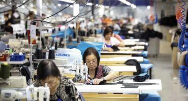 Швеи - Бишкек: Ищем швей - лаборантов   Обязанности:  1. Крой и пошив производственны