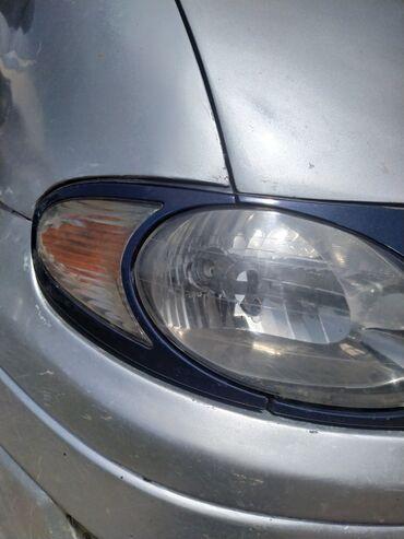 Аксессуары для авто в Кемин: Нужно облицовка на фару левая сторона