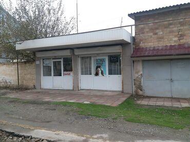 Salyan rayonu Köhnə 3 nömrəli məktəbin qarşısında sahəsi 15 kv olan