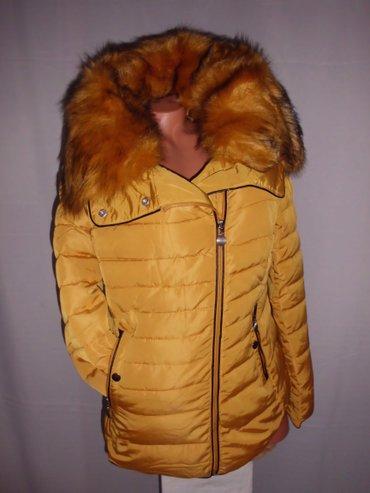 Zenska jakna bez kapuljace blago strukirana velika kragna sa krznom kr - Beograd