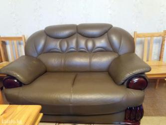 продаю кожаную мебель б/у комплект 3+2+1  цвет хаки  состояние отлично в Бишкек