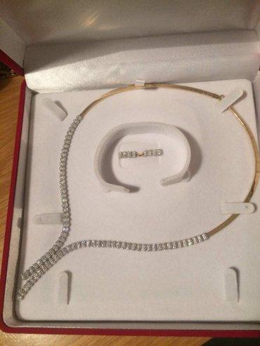 Продам золотое колье с сережками новое отличное золото 585 пробы в Бишкек