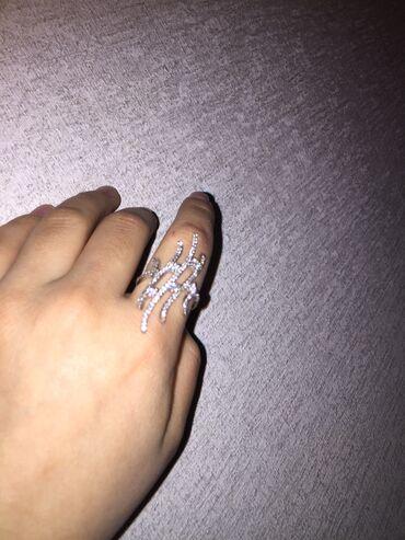 Серебряную колечку и сережку - Кыргызстан: Продаю серебряное кольцо 925 пробы  Размер кольца 16,5 Через сдэк не р